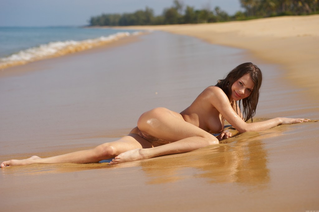 Sexy Blonde Babe On Beach Fully Naked Playing With Sands Pornhd6k 1